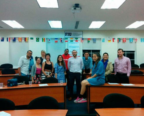 QLU University of Louisville Panamá con alumnos - pedropluque